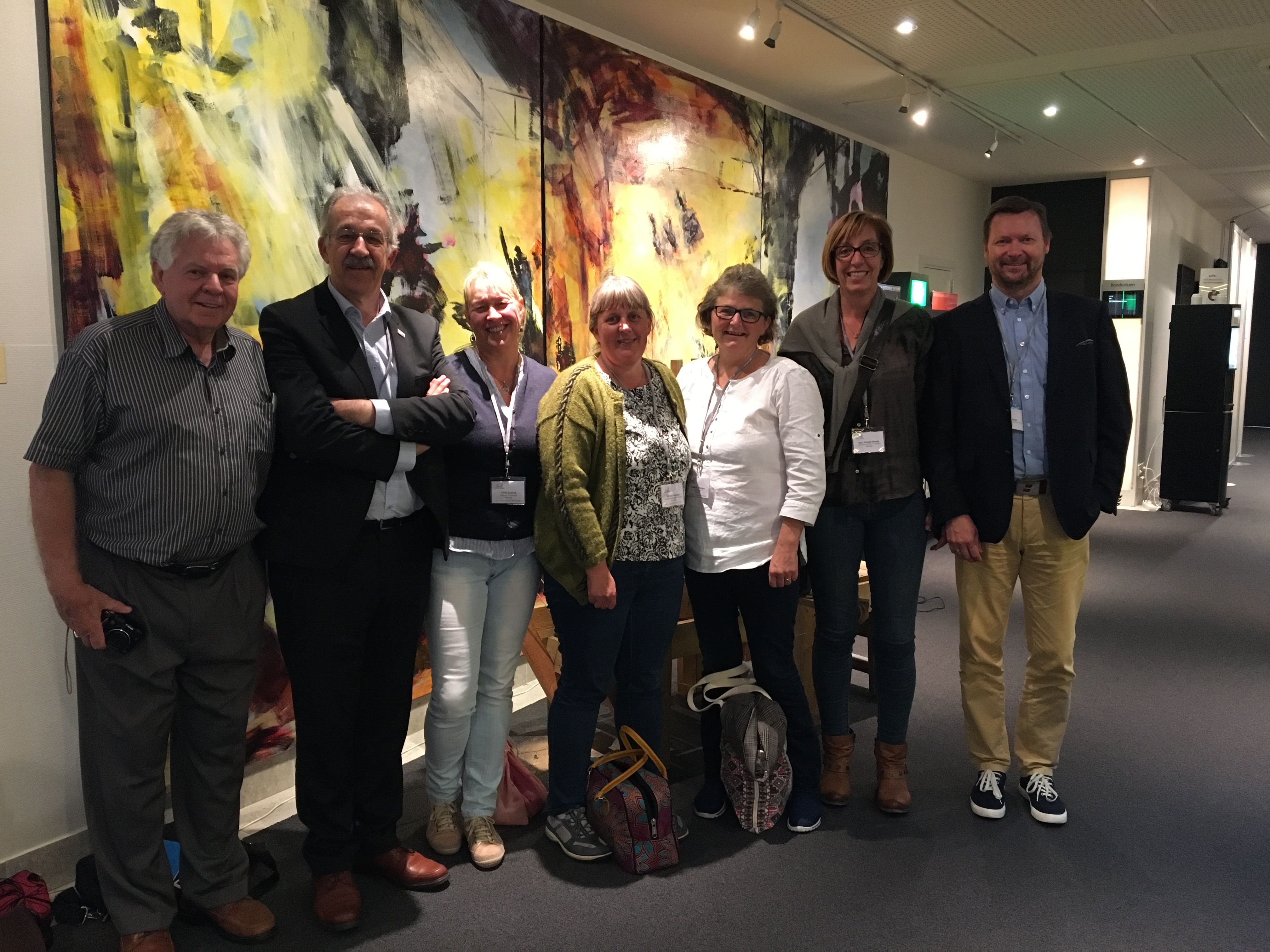 Stan Munroe (Canada), Ricard Lopez (Catalonia/Spain) with the group of Nordic Parents